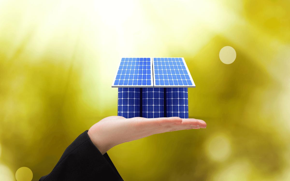 後付けにおすすめの家庭用蓄電池は「ハイブリッド型」