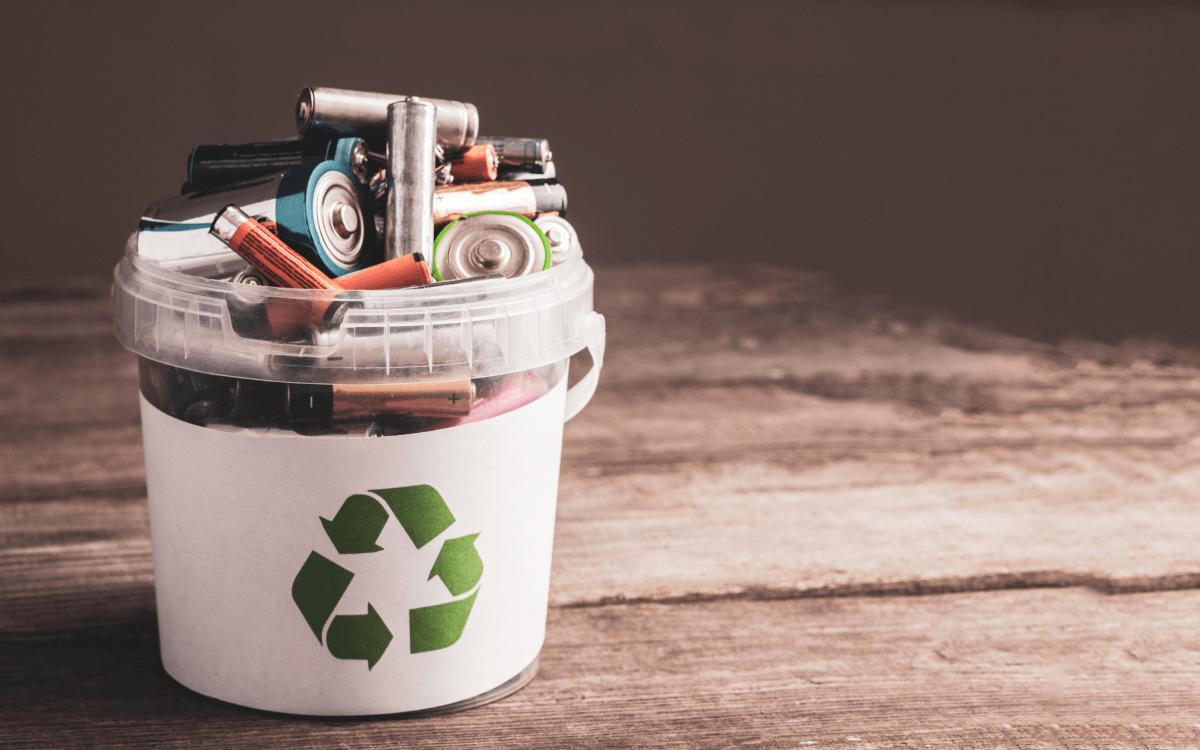 家庭用蓄電池の寿命は?【蓄電池の種類別】寿命年数リスト